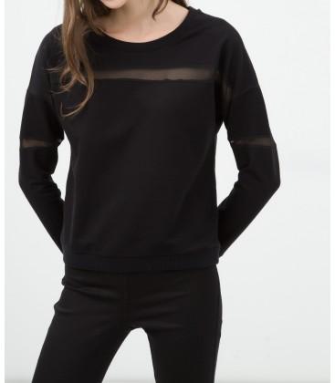 The woman in black cotton sweatshirt 6KAL11572JK999