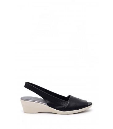 Derimod Kadın Siyah Dolgu Topuklu Sandalet 19SFD240018