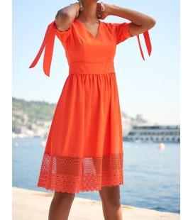 Trendyol Kırmızı Eteği Dantel Detaylı Elbise TOFSS18BB0253