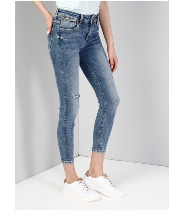 Colin's Kadın 759 Lara Dar Kesim Orta Bel Dar Paça Mavi Jean Pantolon CL1036265