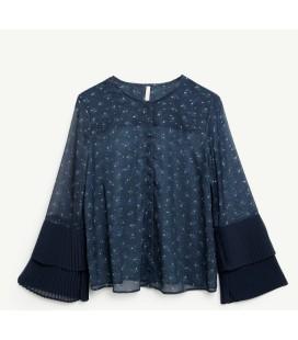 Yargıcı Kollar Detaylı Kadın Lacivert Gömlek 9KKGM6106X340