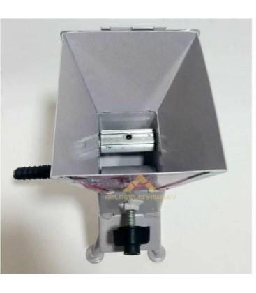 Kapaklı Ceviz Fındık Kırıcı Batoz Kol Çevirmeli Metal Gövde Profesyonel Fındık Ceviz Kırma Makinesi