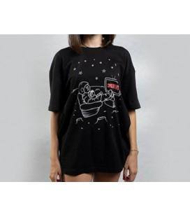 Zhoppers Astronaut Watching SpaceNews Siyah Özel Tasarım Tişört